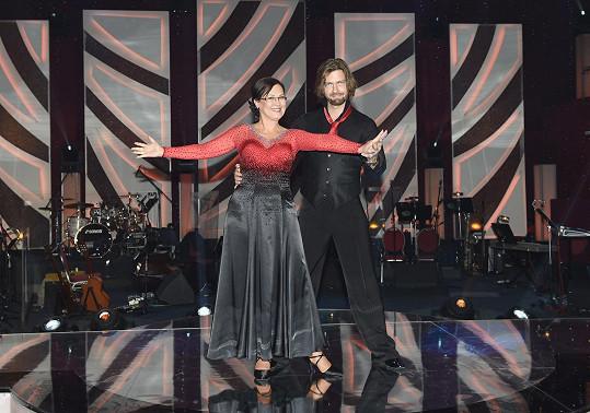 Cajthamlová tvoří taneční pár s Petrem Čadkem.