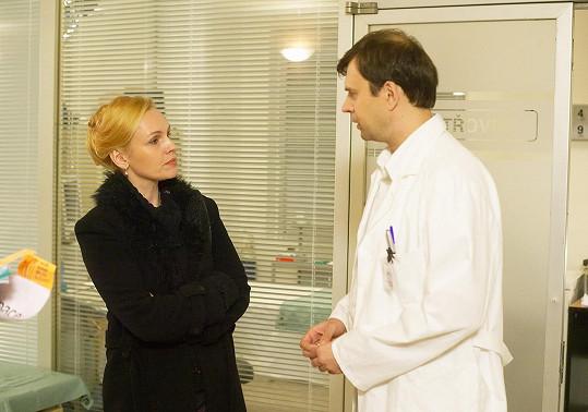 Petr Rychlý vzpomínal na své seriálové partnerky. V Ordinaci hrál s Alenou Štréblovou.