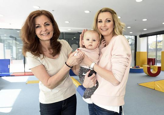 Sandra s maminkou a dcerou Emily