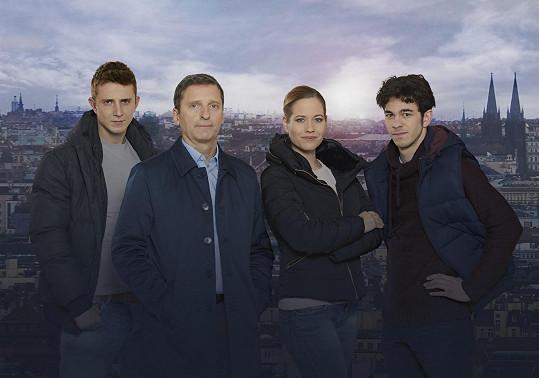 Jakub Štáfek, David Prachař, Zuzana Kajnarová a Marek Adamczyk ztvární hlavní role v novém seriálu Specialisté.