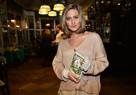 Emma si ze křtu knihy Haliny Pawlowské neodnášela jen její knihu.