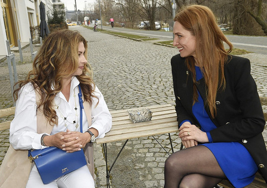 Romana Pavelková se na focení potkala s Danou Morávkovou.