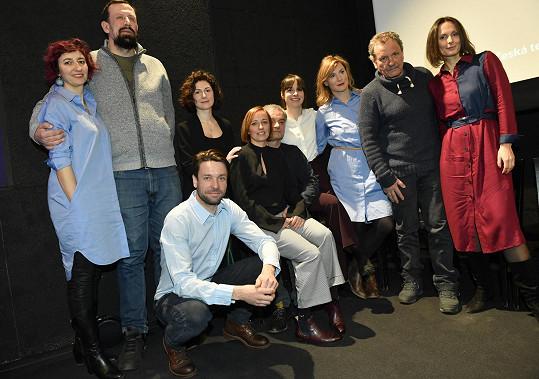 Veronika se svými kolegy z Dejvického divadla