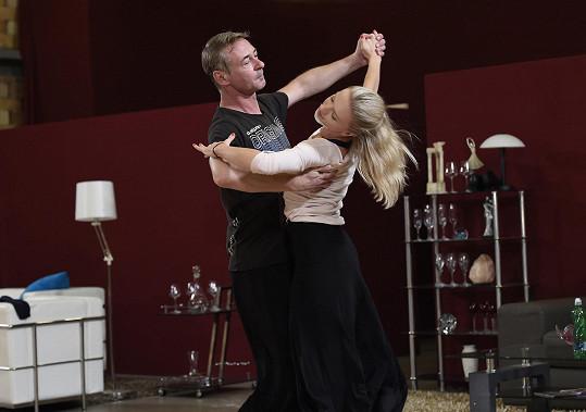 S tanečnicí Lenkou Návorkovou nám předvedli kousek tance.
