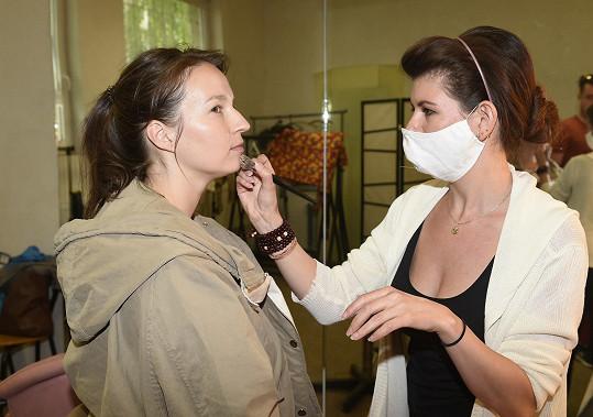 Berenika během příprav před natáčením