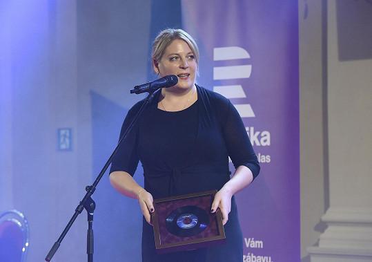 Ocenění pro zesnulého otce Petra Hapku přebírala i Petra Hapková.
