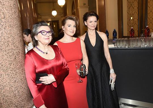 S kolegyněmi Zuzanou Kronerovou a Lenkou Krobotovou