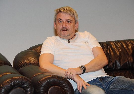 Michal Suchánek to v seriálu od Frejové schytá.