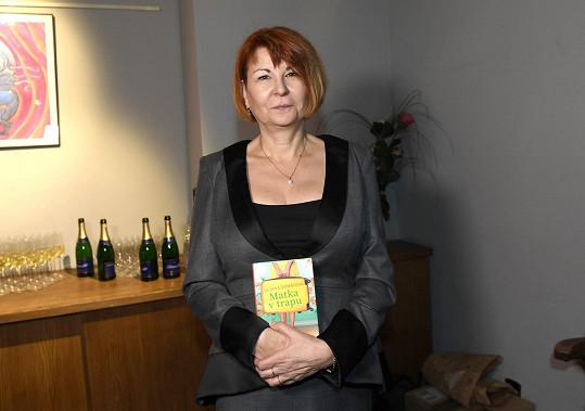 Uljana se svojí druhou knížou Matka v trapu