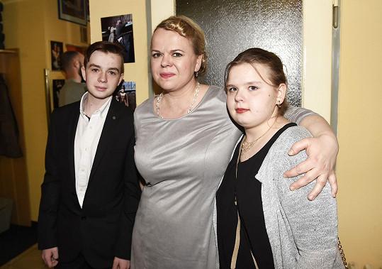 Sabina s dětmi Vincentem a Adinou. Vnučka je celá babička.