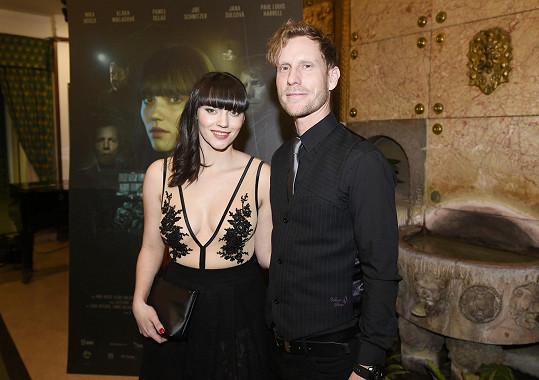 Jaromír Nosek s hereckou kolegyní Klárou Miklasovou