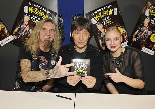 Pánové ještě s Markétou Konvičkovou na křtu CD