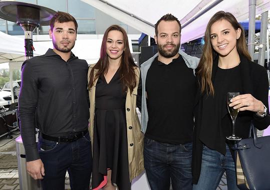 Radko s přítelkyní a se sestrou s jejím partnerem Michalem Neuwirthem na párty v TOP hotelu před měsícem.