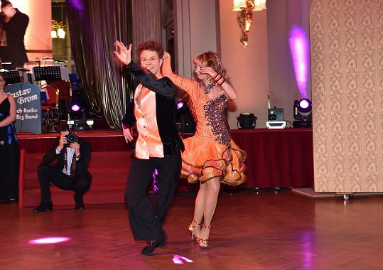 Předtančení plesu se ujal Jan Onder s partnerkou.