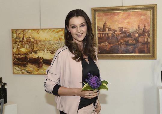 Iva Kubelková malovala po návratu z Indie hlavně oleje.
