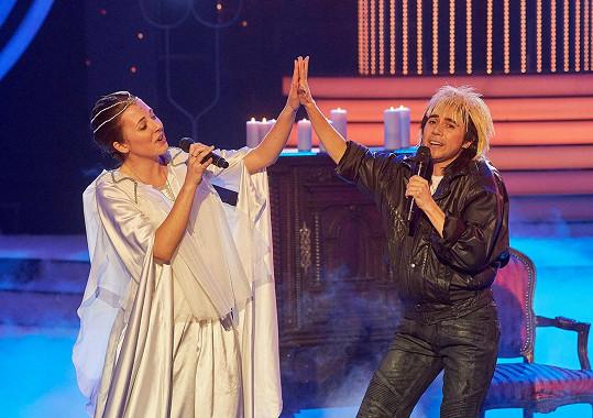 Martha s Annou Slováčkovou, která celkový pěvecký výkon hodně podržela.