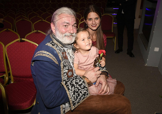 Dan Hůlka s manželkou a dcerou