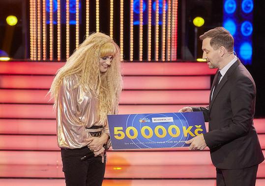 Už podruhé mohl darovat šek na 50 tisíc korun.
