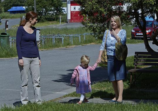 Veronika Jeníková se svou seriálovou vnučkou
