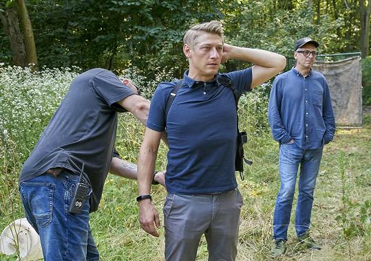 V některých akčních scénách se Jacob bojí, aby nezranil své kolegy. Po ruce má kaskadéry, za kterými může přijít pro radu.