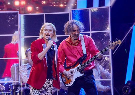 Ve druhém čísle ztvárnil Davida Kollera a kapelu Lucie.