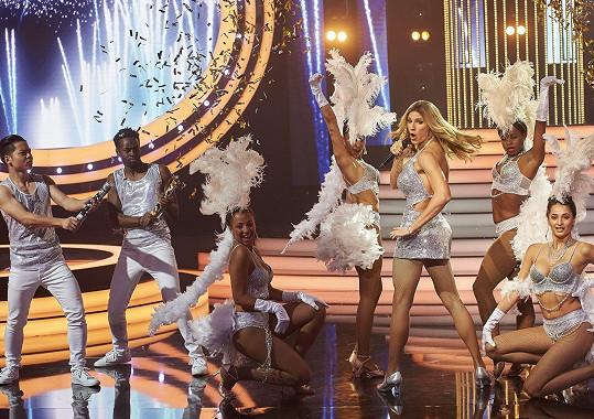 David Gránský to v Tváři roztočil jako Jennifer Lopez.