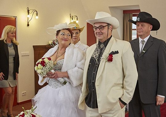 Valérie Zawadská se coby Romana Babáková vdá za Boba Švarce Martina Zounara.