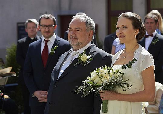 Lumír (Václav Svoboda) a Světlana (Tereza Bebarová)