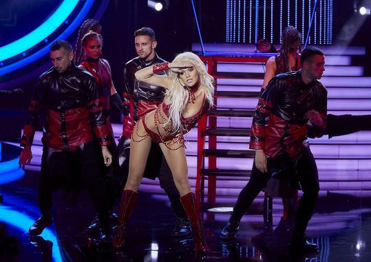 Modelka se musela proměnit v Britney Spears.
