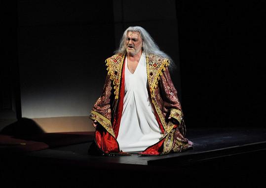 Daniel Hůlka zpíval Draculu už před dvaceti lety.