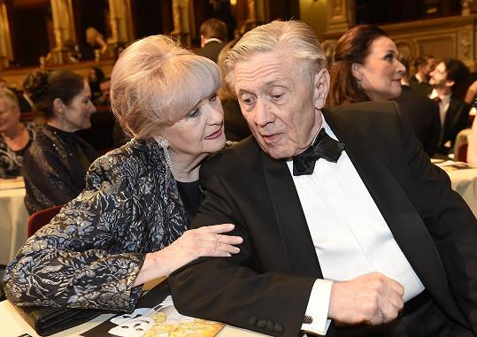 Radost měla i jeho manželka Carmen Mayerová.