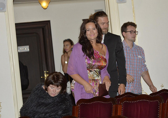 S manželem Petrem Čadkem na premiéře filmu Lucie