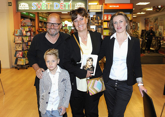 Zdeňka s manželem, sestrou a synem