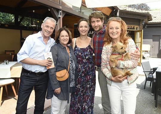 Tereza s kolegy z Divadla Ungelt