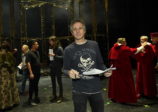 Janek Ledecký se bude opět alternovat v hlavní mužské roli.