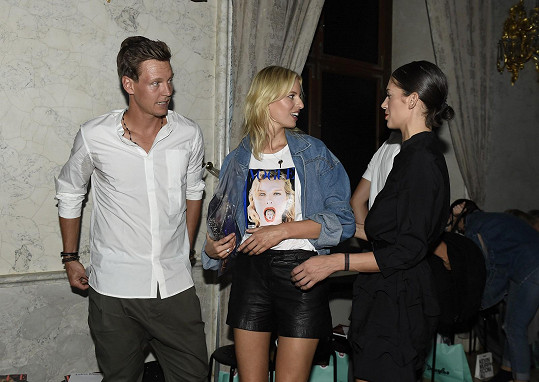 Kurková se zde setkala s tenistou Tomášem Berdychem.