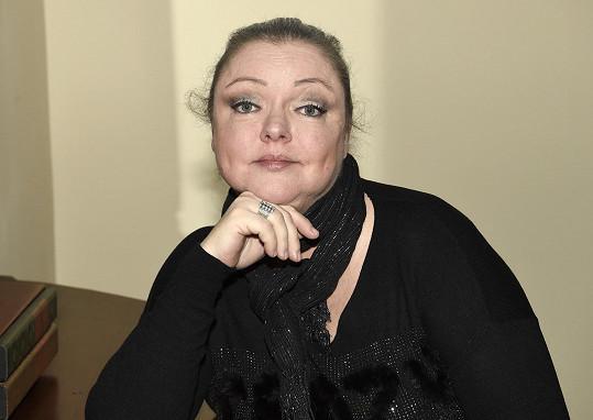 Maminka Dominiky Gottové dostala jednu vakcínu proti covidu, druhou dávku zatím ne.