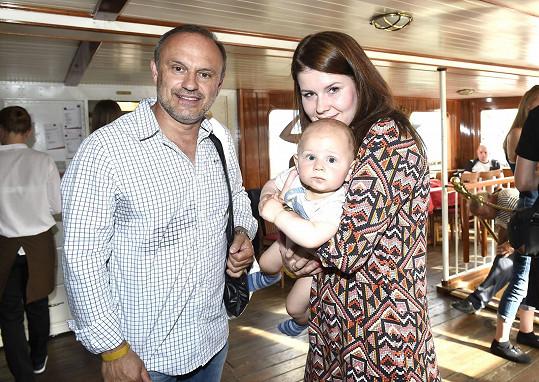 Karel Zaňák se synem Karlíkem a partnerkou Adélou