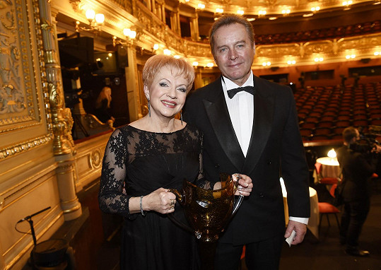Třetí manželství se Pavle Břínkové povedlo. S manželem Tomášem Trčem, lékařem, má pěkný vztah.