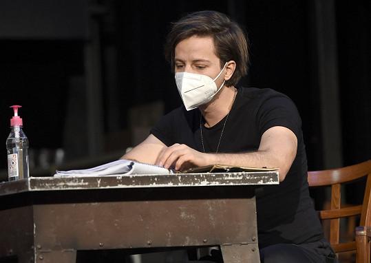V Divadle Boradway bude hrát Milan poprvé.