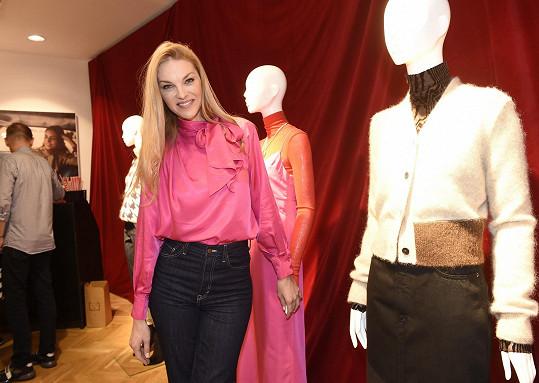 Modelka Pavlína Němcová se poprvé představí na divadelních prknech.