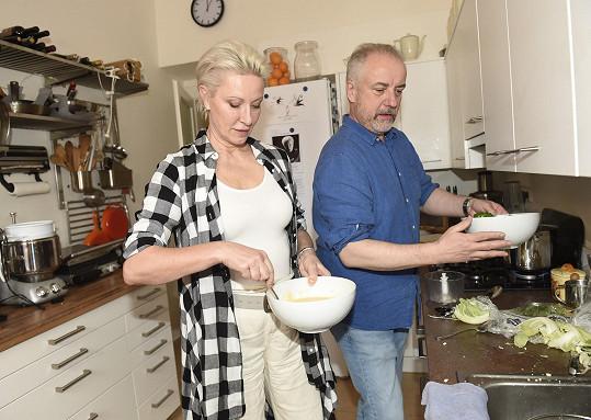 Vaří ale i její manžel.