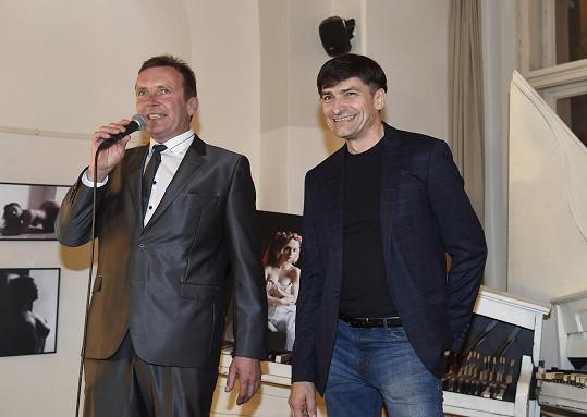 Narozeninovým večerem provázel Zdeněk Mahdal.