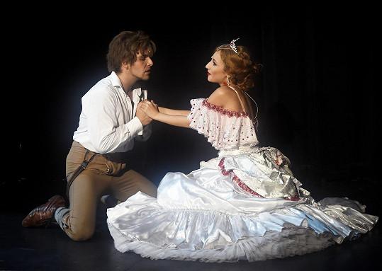 Natálka s Michalem Bragagnolem jako Sára a Alfréd v Plesu upírů