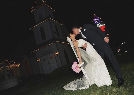 Slaví sedm let od svatby.