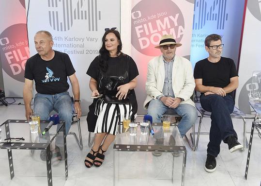 Jitka se na festival vrátila kvůli představení filmu Václava Marhoula Nabarvené ptáče.