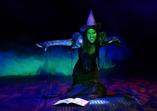 A na zkoušce Čarodějky už jako zelená Elphaba.