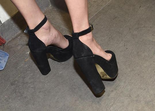 Za to ale mohly boty na extra vysokém podpadku a podešvi.