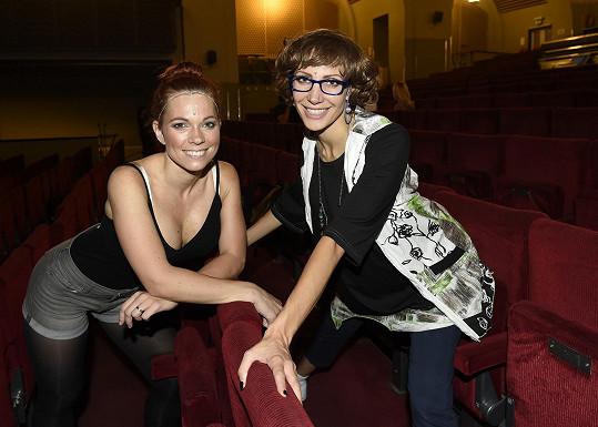 Míša Nosková hraje v Mamma Mia!, jako Tanya se alternuje s Olgou Lounovou.