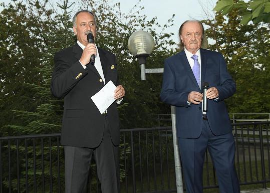Nechyběl ani narozeninový projev, který vedl jeho dlouholetý spolupracovník Ivan Chocholouš.